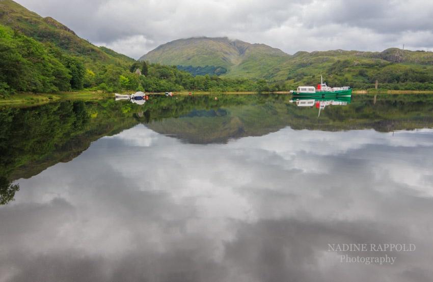 Loch Shiel Spiegelung Highlands in Schottland